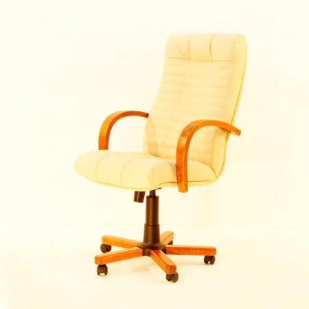 Кресло руководителя Атлант дерево